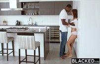 Sexo interracial HD negão fodendo gata perfeita