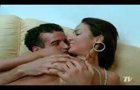 Atriz porno brasileira dando cuzinho carnudo